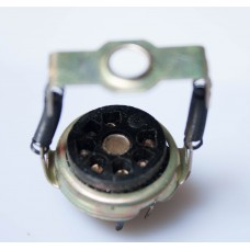7-pin SOCKET, with pressure spring. B7G type.